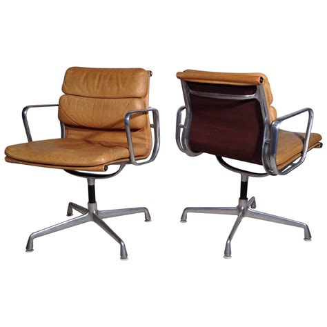 eames armchairs pair of armchairs soft pad eames herman miller vintage at