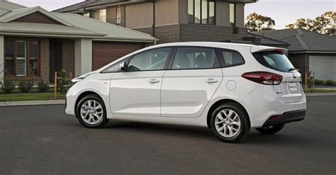 mpv car 2017 2017 kia rondo pricing and specs refreshed mpv gets