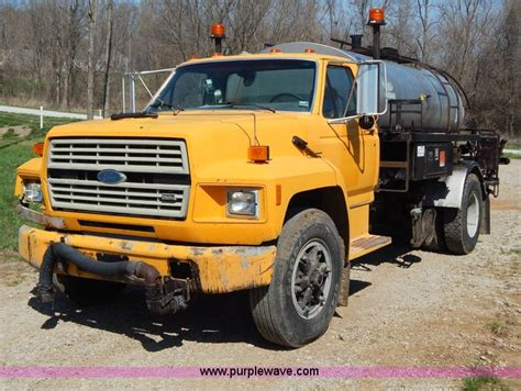 1991 Ford F800 Oil Distribution Truck No Reserve Auction