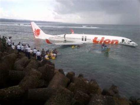 detiknews lion air detiknews ini dia pesawat lion air yan 画像あり バリ島で