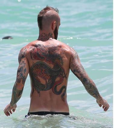 photo : raul meireles: son tattoo dragon immense, sur le dos