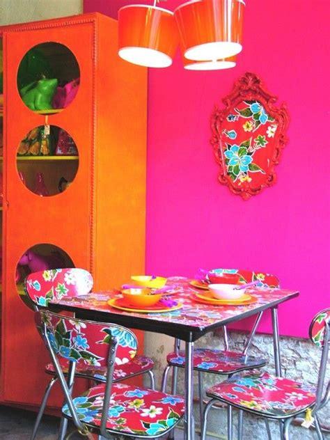 fucsia  naranja  estilo kitsch kitsch