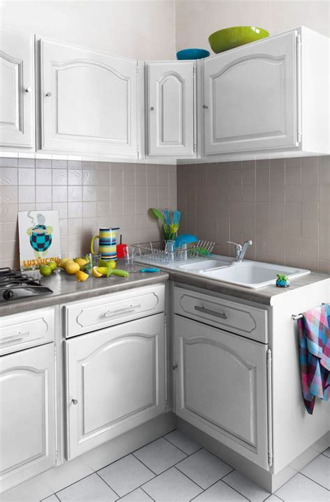 v33 renovation cuisine relooking cuisine facile repeindre les meubles