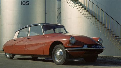 Citroen Ds19 1955 Burago 132 1955 1975 citroen ds19 id19 specifications classic and performance car