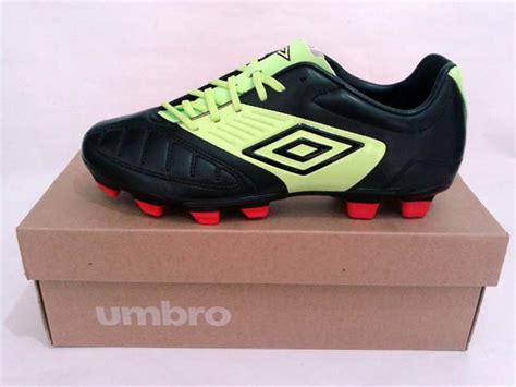 Sepatu Bola Umbro Geometra sepatu bola umbro geometra cup a fg black green gudang sport