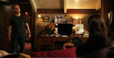 aria s bedroom pretty little liars pll aria s bedroom etc