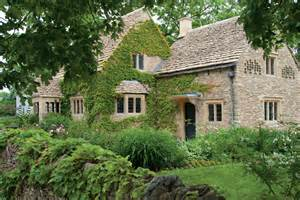 a touch of cotswold cottage magazine