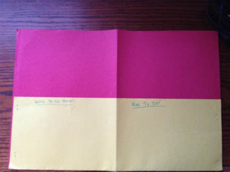 How To Make A Folder Out Of Construction Paper - monday made it classroom diy manic monday freebies