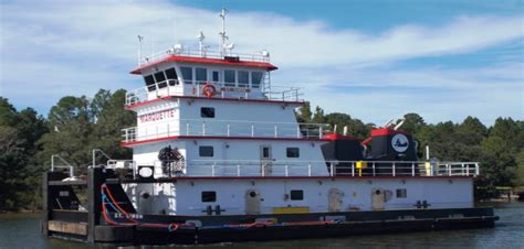 tow boat jobs paducah ky master marine delivers z drive towboat to marquette