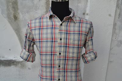 akok bundle kemeja flannel kotak merah biru uniqlo sold