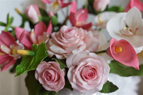 come fare fiori pasta di zucchero fiori in pasta di zucchero come farli e dove usarli donnad
