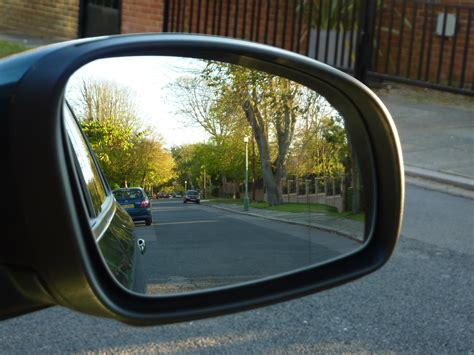 see how to adjust your car mirrors autoxpat