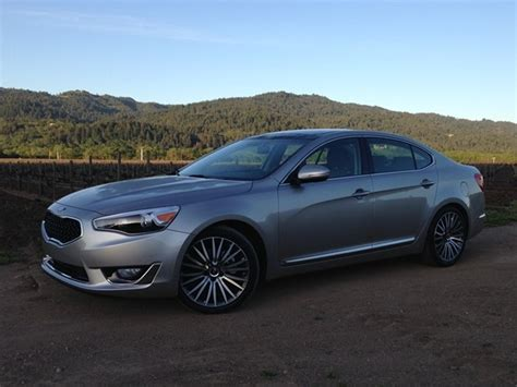 kia cadenza 2014 review 2014 kia cadenza review kia s deal yet