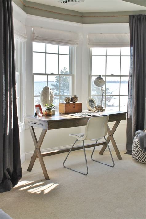 bay window desk 1000 ideas about bay window blinds on pinterest window