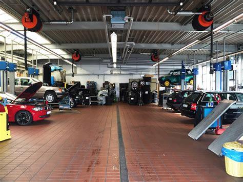 werkstatt auto kompetentes autohaus mit gro 223 em angebot in d 252 sseldorf