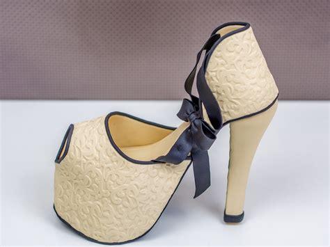High Heel high heel aus fondant zur dekoration einer schuhkarton