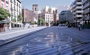 plaza de la 13 171 landscape architecture works landezine