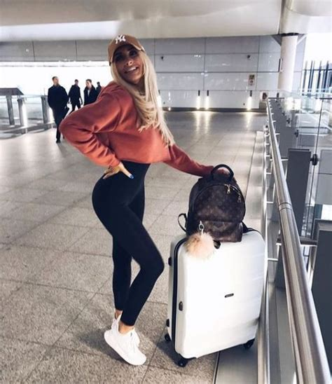 airport outfit ideas