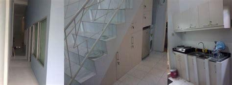 Lemari Sudut Aluminium desain interior lantai 1 partisi workstation minimalis