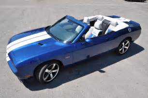 Blue Dodge Challenger. Cpe Sxt With Blue Dodge Challenger