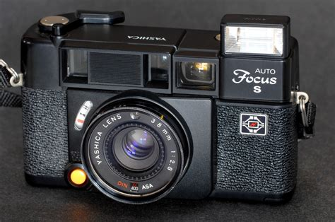 Auto Fokcus by Yashica Auto Focus S 35mm W 38mm F 2 8 Lens