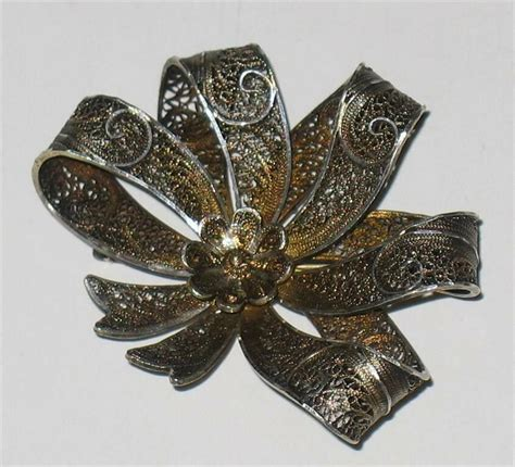 Bsk 21 Pastel Green vintage silver wire filigree bow brooch ebay
