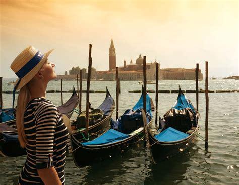 consolati russi in italia enit il 47 dei turisti russi in italia prenotano in
