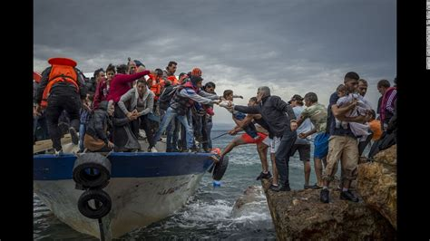 refugee crisis europe boat europe s migration crisis in 25 photos