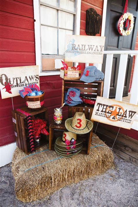 Cowboy Decorating Ideas by 31 Best Western Decorating Ideas Images On