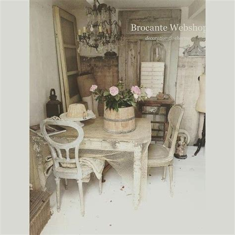 cottage style magazine table pin by saskia beau belle brocante on brocante webshop