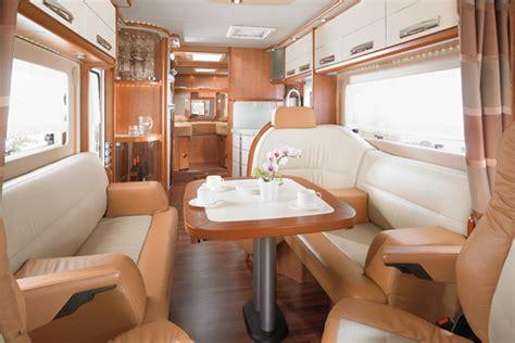 Floor Pl kempingowy autobus z gara em camprest com