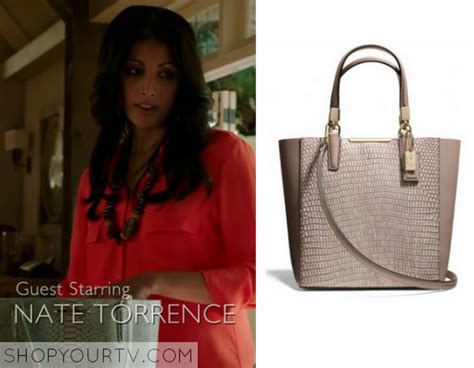 divia from royal pains royal pains season 7 episode 2 divya s tote bag