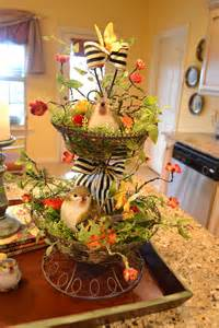 Kitchen Table Centerpiece Fabulous Kitchen Table Centerpieces Presented With Bright Color And Simple Decoration
