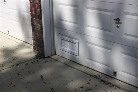 Garage Door Flood Vents by Flood Flaps Ffnf05gd W Garage Door Flood Vent White