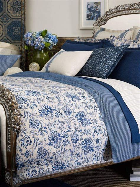 blue bedspreads and comforters best 25 blue and white bedding ideas on pinterest