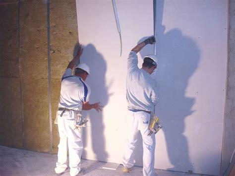 come si monta una porta interna realizzare pareti divisorie in cartongesso le pareti