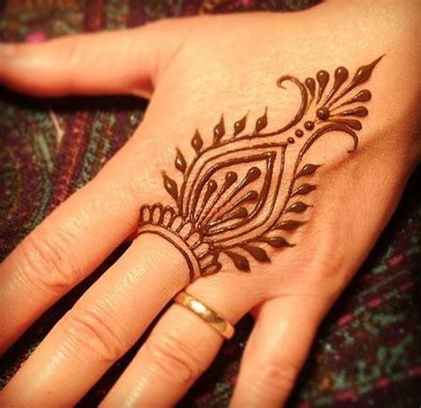 25 best ideas about kids mehndi design on pinterest les 25 meilleures id 233 es de la cat 233 gorie simple henna