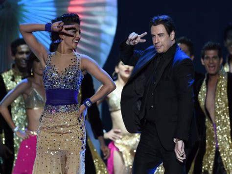 priyanka chopra john travolta s hot dance at iifa awards 2014 iifa 2014 priyanka chopra feels hollywood stars travolta