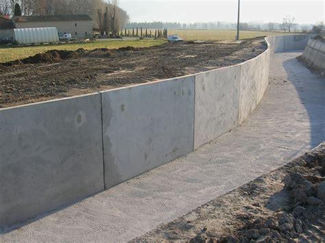 zäune beton sichtschutz murs de sout 232 nement en b 233 ton canal