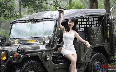 girl jeep wallpaper jeep and girl wallpaper wallpapersafari