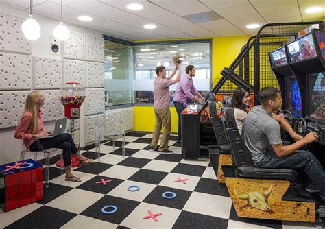 Office Space On Hulu A Peek Inside Hulu S Santa Office Officelovin
