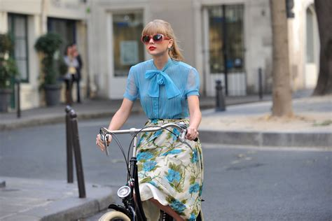 taylor swift begin again blouse taylor swift films new music video for begin again in