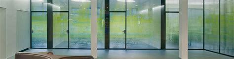 Sichtschutz Fenster Arztpraxis by Sichtschutz Mit Glas