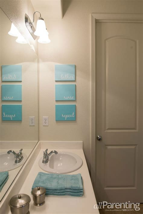 artistic bathrooms diy bathroom canvas art