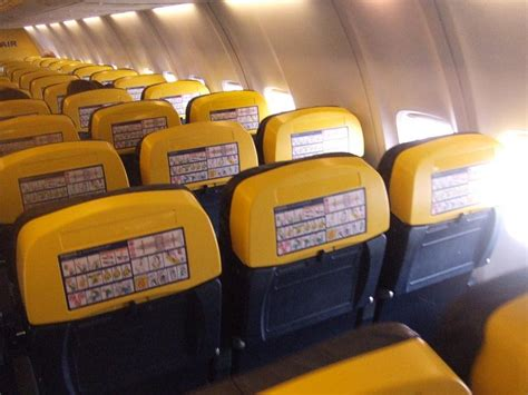 aerei easyjet interni a tribute to ryanair decoding the business plan