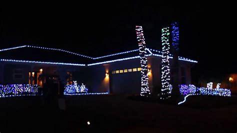 house with christmas lights set to music religious christmas music set to house light display 2013 youtube