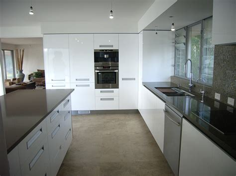 Stone, Marble and Granite Kitchens and Kitchen Benchtops