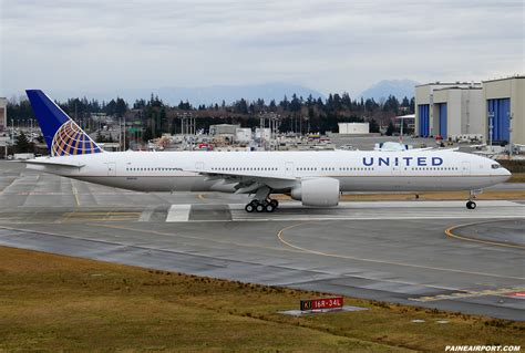 united airlines returns to paine field with new services airways kpae paine field