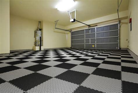 garagenboden fliesen pvc garagenboden mit klicksystem aus fliesen platten pvc