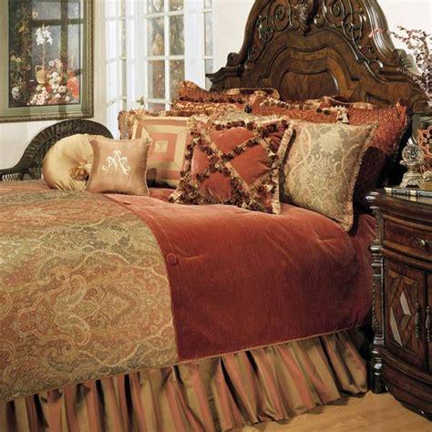 Shop Michael Amini Woodside Park Bed Linens   The Home